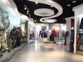 圣华顿企业服装展馆