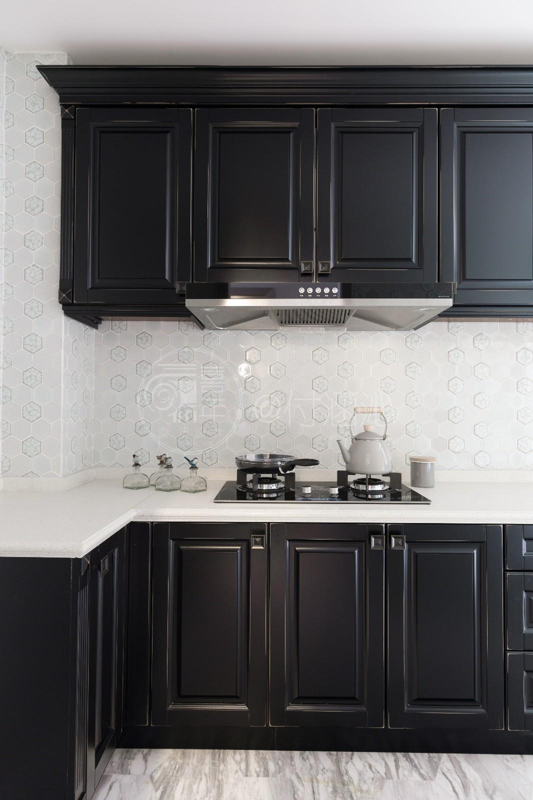 现代厨房橱柜实景图