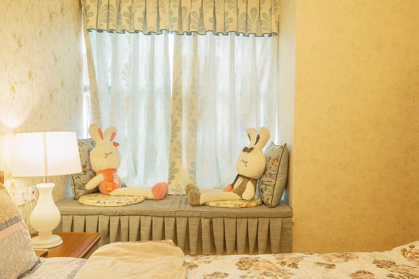 混搭卧室飘窗实景图