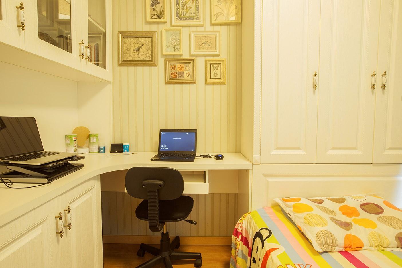 混搭书房工作区实景图