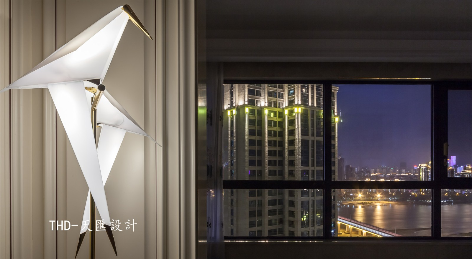 美式休闲区窗户实景图