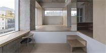 """""""扎根""""东京海湾的精致小公寓 这栋10层建筑地基还不到50平米"""