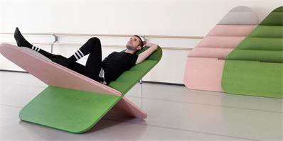 新型拼插休闲椅 让人与人的距离更近