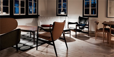 以丹麦设计大师Finn Juhl为主题的日本森林小酒店