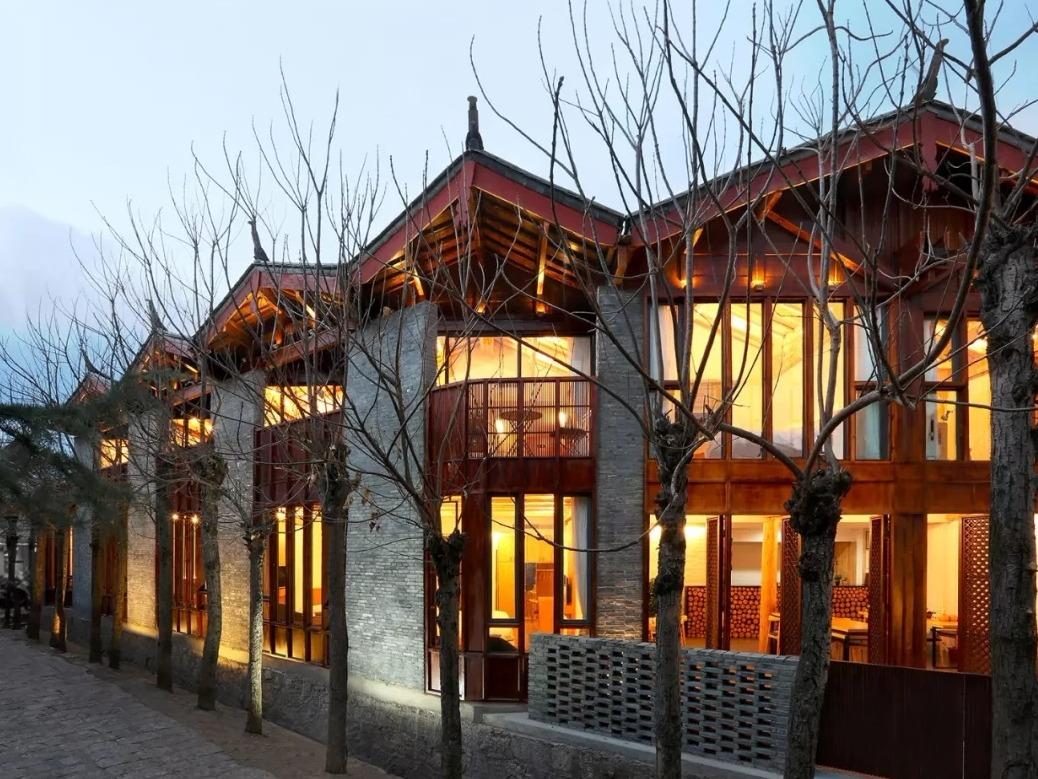甲方预算有限!在建筑师的努力下,他们花300万在丽江古城造了一个客栈