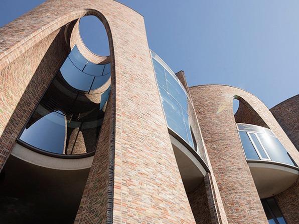 """奥拉维尔·埃利亚松:""""网红""""艺术家怎么玩建筑?"""